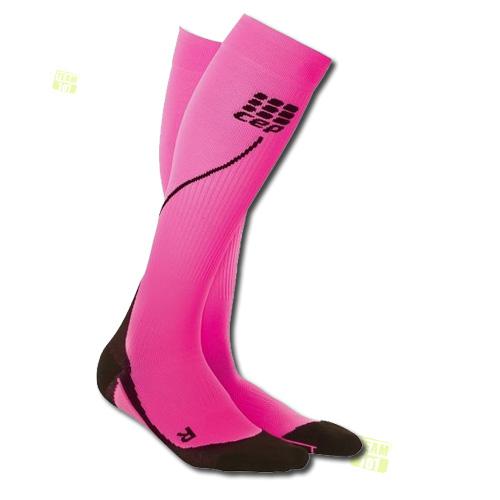 CEP Damen Kompressionssocken Laufsocken pro+ run socks 2.0 schwarz/pink